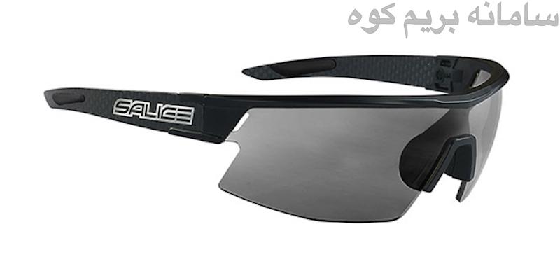 در خرید عینک کوهنوردی ، سراغ لنزهای پلاریزه بروید .