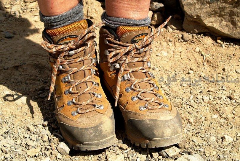 کفش و بوت مناسب کوهنوردی داشته باشید.