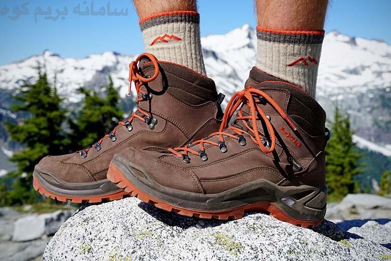 یک جفت بوت کوهنوردی مناسب ، صعودی ایمن و بی خطر برای شما به ارمغان می آورد.