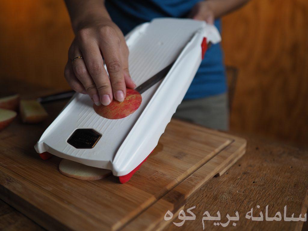 توجه داشته باشید که اکثر غذا ها در پروسه ی خشک شدن و از دست دادن رطوبت و آب ، بسیار کوچک می شوند .
