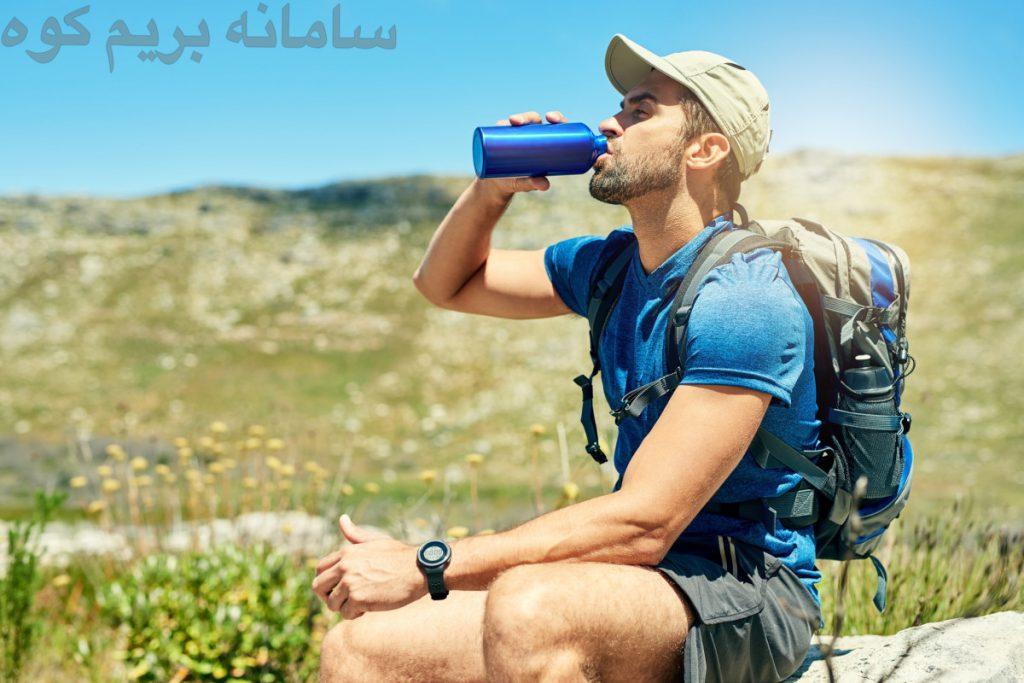 بطری های آب یکی از سنگین ترین وسایل شما برای حمل و همچنین مهم ترین چیزی هستند که شما در مسیر به آن ها احتیاج پیدا خواهید کرد .