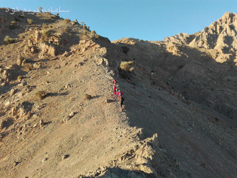 قله نایبند